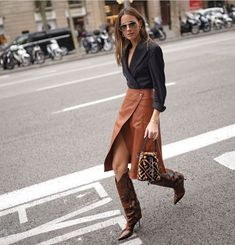 Fall Outfits, Fashion Outfits, Cute Outfits, Mens Fashion, Elegantes Outfit, Looks Chic, Fashion Blogger Style, Leather Skirt, Winter Fashion