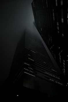 Foggy City- black and white photography Dark City, Fade To Black, Foto Art, Black N White, Color Black, Matte Black, Shades Of Black, Black Is Beautiful, Architecture