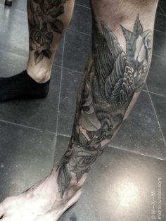 today we finished Brad's leg. Very happy about this one. I'm gutted though I had forgotten my camera so here are only some crappy iphone pics…