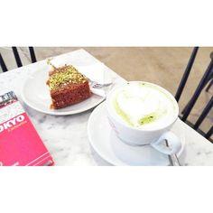 Buongiorno con il mio cappuccino matcha Tutta l'energia necessaria per affrontare la giornata odierna  Colazione da Panini Durini