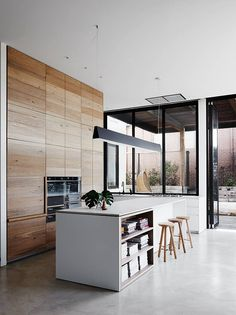 White Smoked American Oak timber has been used in the cabinetry of this home by Robson Rak Architects – Malvern. Photography by Lisa Cohen. www.royaloakfloors.com.au