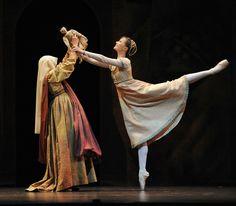 Birmingham Royal Ballet - Jenna Roberts as Juliet; photo: Bill Cooper