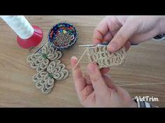 Filet Crochet, Irish Crochet, Crochet Motif, Crochet Designs, Crochet Stitches, Fabric Flower Brooch, Fabric Flowers, Crochet Bows, Crochet Flowers