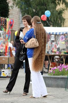 Beautiful knee length hair.
