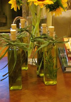 to Infuse Olive Oil With Rosemary Rosemary infused olive oil. Someone will be getting this:)Rosemary infused olive oil. Jar Gifts, Food Gifts, Craft Gifts, Flavored Oils, Infused Oils, Easy Handmade Gifts, Healthy Oils, Italian Cooking, Hostess Gifts