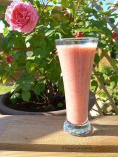 Tasting Good Naturally : Un délicieux Smoothie à la fraise, banane et graines de chia vegan