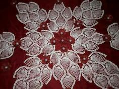 Bed Cover Design, Crochet Bedspread, Linen Bedroom, Flower Fashion, Bed Covers, Bed Spreads, Elsa, Pillows, Floral