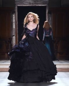 Beautiful Black Slip Evening Dress / Evening Ball Gown with Half Open Back. Runway Show by Julien Fournie Red Wedding Dresses, Fall Dresses, Elegant Dresses, Nice Dresses, Evening Dresses, Bridesmaid Dresses, Haute Couture Gowns, Couture Dresses, Look Fashion