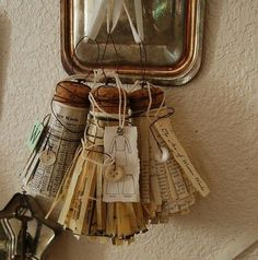 Fabulous tassels made from champagne corks and vintage book pages! Could use ripped silk fabric or ribbons as well! Wine Cork Crafts, Book Crafts, Arts And Crafts, Paper Crafts, Diy Crafts, Paper Toys, Diy Vintage, Vintage Paper, Diy Projects To Try