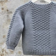 s-media-cache-ak0.pinimg.com o  #cache #media #pinimg Knit Baby Sweaters, Boys Sweaters, Cardigan Bebe, Baby Cardigan, Sweater Knitting Patterns, Knitting Designs, Knitting For Kids, Baby Patterns, Baby Dress