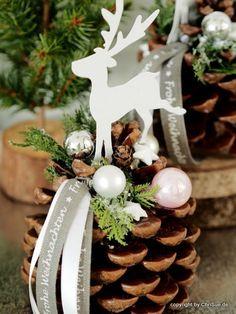 Christmas Ribbon, Christmas Wreaths, Merry Christmas, Christmas Decorations, Xmas, Holiday Decor, Best Friend Birthday, Birthday Diy, Santas Workshop