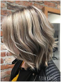 Blond hair, silverblond, grey hair, lob