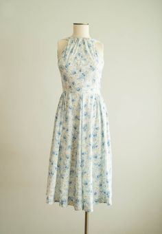 vintage 1950s dress / 50s floral rayon dress by HungryHeartVintage ~this would be great with a shrug!