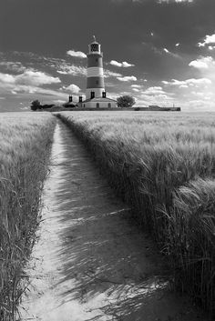 Lighthouses of the World Places Ive Been, Places To Go, Norfolk Broads, Uk Photos, Amazing Architecture, Lighthouses, Coastal Living, Dream Vacations, Black And White Photography