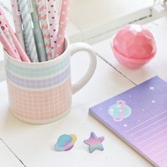 galactic-castle:    ★ things on my desk  ★