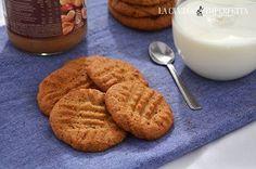 BISCOTTI AL BURRO DI ARACHIDI  I biscotti al burro di arachidi, ovvero i peanut butter cookies, sono dei morbidi e burrosi frollini da colazione o merenda. Il gusto di questi biscotti è davvero inconfondibile e sono anche molto facili da fare. Continua a leggere: http://www.lacucinaimperfetta.com/2015/10/biscotti-al-burro-di-arachidi_19.html  #lacucinaimperfetta #ricette #recipes #biscotti #burrodiarachidi