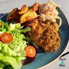 This KFC Fakeaway was one of the first slimming friendly recipes we came up with, and it's still one of our favourites. Kfc Chicken Recipe, Healthy Chicken Recipes, Cooking Recipes, Slimming World Dinners, Slimming World Recipes, Dairy Free Diet, Low Calorie Recipes, Summer Recipes, Italian Recipes