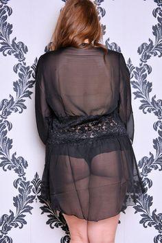 black_robe_elle_back.jpg (900×1350)