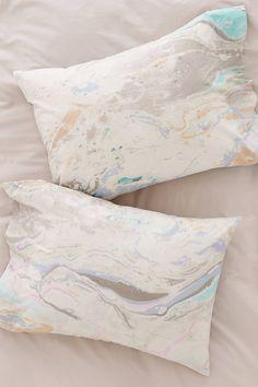 Slide View: 1: Mixed Marble Pillowcase Set