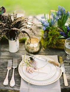 Wedding Ideas: butterfly-place-setting-wedding i like the colour of this wood.