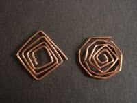 How to make square spirals from The Beading Gem Journal  #Wire #Jewelry #Tutorials