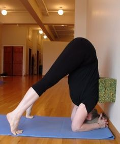 Five-Minute Yoga Challenge: half a headstand with 3 blocks and a wall - Five-Minute Yoga