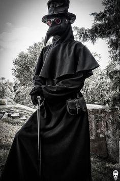 Gas Mask – Plague – Black - New ideas Plauge Doctor, Plague Doctor Mask, Plague Dr, Doctor Costume, Dark Photography, Cthulhu, Mask Design, Dark Art, Character Inspiration