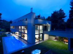 Pure and Clean Modern Dream House Designed With Sustainable Principles