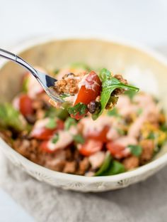 Meal Prep Turkey Taco Black Bean Salads - An easy recipe with ground turkey, black beans and veggies cooked in one pot! Great for meal prep lunches! One Pan Meal Prep, One Pan Meals, Easy Meal Prep, Easy Meals, Healthy Snacks, Healthy Recipes, Superfood Recipes, Cheap Recipes, Healthy Dinners