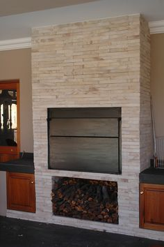 Viking Split Cladding in perfectstone white -Ideal for any braai area make-over. Backyard Fireplace, Home Fireplace, Outdoor Kitchen Design, Patio Design, Outdoor Living Areas, Outdoor Rooms, Built In Braai, Townhouse Garden, Brick Bbq