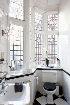 Bathroom | Lead glass windows