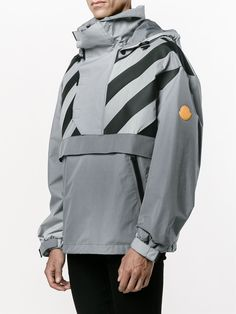 Upgrade your athletic looks with the men's varsity jackets & windbreakers edit at Farfetch. Shop men's sports jackets and athletic jackets now. Urban Fashion, Mens Fashion, Fashion Tips, Off White Clothing, Japanese Streetwear, Cyberpunk Fashion, Work Jackets, Anorak Jacket, Hoodie Outfit