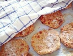 Nämä rieskaset on oikeastaan jo minun bravuuri. Breakfast Time, Bread Recipes, Camembert Cheese, French Toast, Brunch, Super, Rolls, Food And Drink, Pizza