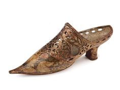 Shoe-Icons / Shoes / Pair of gilded and painted carved wood lady's traditional wedding shoes. Vintage Boots, Vintage Outfits, Vintage Fashion, Crazy Shoes, Me Too Shoes, Icon Shoes, Carved Wood, Traditional Wedding, Leather Craft