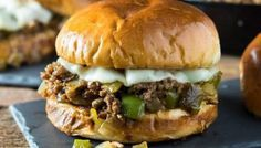 Philly Cheesesteak Sloppy Joes - Recipes to Cook Heart Healthy Recipes, Healthy Crockpot Recipes, Healthy Snacks, Delicious Recipes, Slopy Joe Recipe, Cheeseburger Recipe, Homemade Sloppy Joes, Kids Cooking Recipes, Organic Recipes