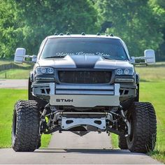 jacked up diesel trucks Lifted Chevy Trucks, Gm Trucks, Cool Trucks, Pickup Trucks, Dually Trucks, Diesel Trucks, Truck Mods, Custom Trucks, Offroad