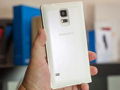 The Samsung Galaxy S5 Wireless Charging S-View Flip Cover