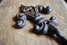Cast Iron Flourish Hook