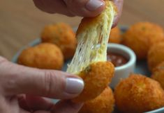 bollitos de queso croquetas2 Starters, Cauliflower, Appetizers, Cheese, Vegetables, Food, Products, Gastronomia, Girly Girl