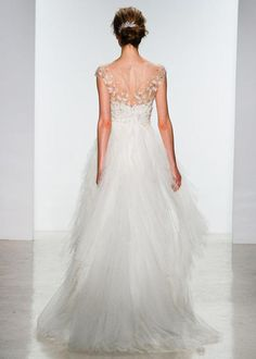 12 Wedding Gowns With Gorgeous Backs