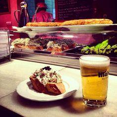 Madrid. Pincho y Cerveza al Mercado de San Miguel.