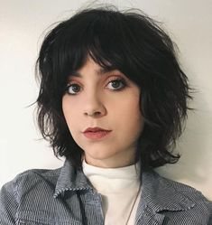 Rasierte Shaggy Bob mit Pony 50 Super Cute Looks with Short Hairstyles for Round Faces Haircuts For Round Face Shape, Pixie Cut Round Face, Short Hair Styles For Round Faces, Short Thin Hair, Short Hair With Layers, Hairstyles For Round Faces, Short Hair Cuts, Short Hairstyles, Haircut Short