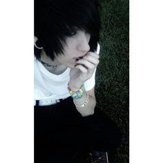 Camron Burns if there were only more like him in this world🖤💀🥀🍃🍃🎧🎶 Hot Emo Guys, Cute Emo Boys, Adorable Guys, Hot Boys, Emo Boy Hair, Emo Scene Hair, Scene Guys, Emo People, Attractive Guys