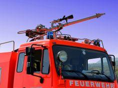Feuerwehr Perg: LKW brannte auf B 123 vollständig aus - http://austria24.tv/featured/feuerwehr-perg-lkw-brannte-auf-b-123-vollstaendig-aus/
