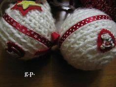 palline Natale rivestite ed abbellite con bottoni Buttonmad