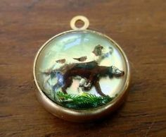 Vintage gold hunting dog intaglio, Essex Glass