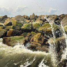 South Carolina #SouthCarolina #SC #ocean #wave #waves #jetty #rocks #shore #beach #crashingwaves #sea #seaspray #wavescrashing #splash