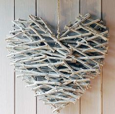 Heart made from sticks, hot glue, & spray paint for a neutral Valentine's day porch decor via Crafty So and So Crafts To Do, Wood Crafts, Arts And Crafts, Stick Crafts, Cardboard Crafts, Cabin Crafts, Twig Crafts, Seashell Crafts, Rama Seca