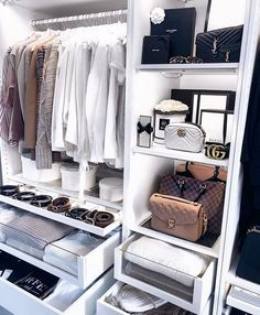 50 Ideas For Narrow Walk In Closet Organization Decor Walk In Closet Design, Bedroom Closet Design, Closet Designs, Diy Bedroom, Teen Bedroom, Small Walk In Closet Ideas, Narrow Closet, Reach In Closet, Simple Closet