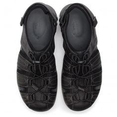 Sandale CLARKS - Brixby Cove 261338917 Black Leather - Sandale - Saboți și sandale - Bărbați - www.epantofi.ro Furla, Clarks, Tommy Hilfiger, Calvin Klein, Black Leather, Sneakers, Shoes, Fashion, Sandals